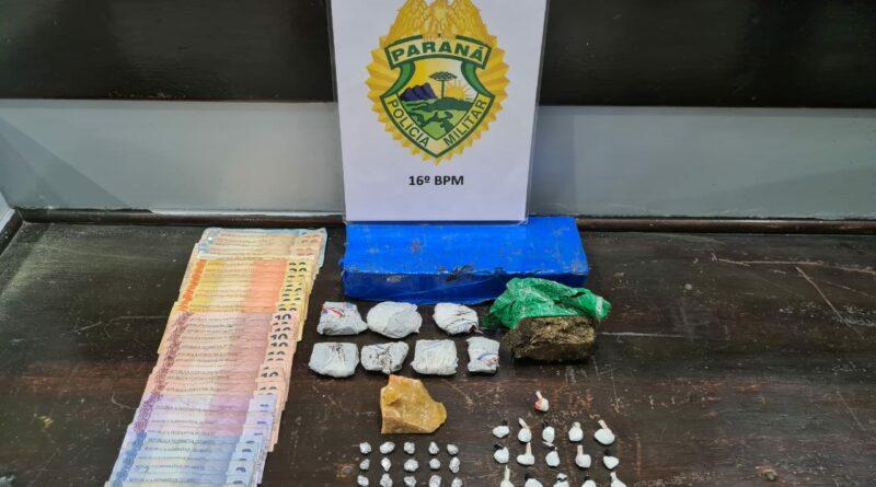 Jovens são flagrados com maconha, crack e cocaína, no bairro Vila bela